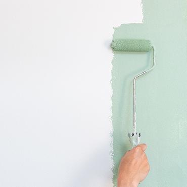 オガファーザーにデュブロンを塗装している様子