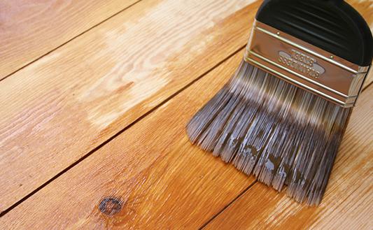 リボス自然健康塗料を塗装している写真